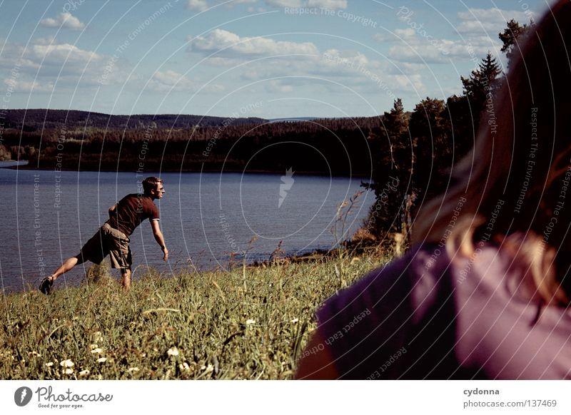 Gedanken fliegen ... Spielen Freizeit & Hobby Frisbee fangen Panorama (Aussicht) Frühling Sommer Freundschaft atmen toben Wolken genießen Erholung See Stausee