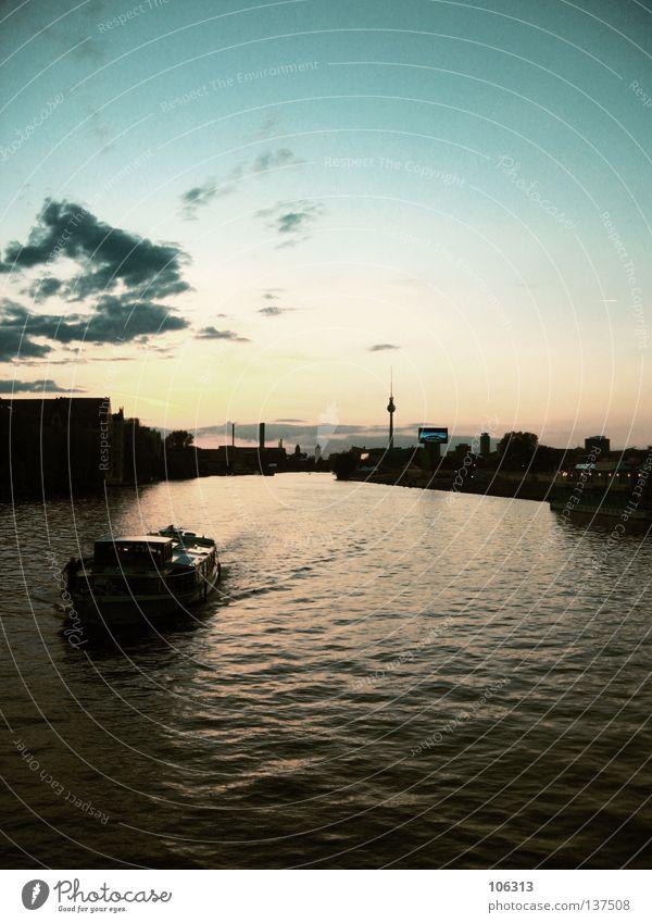 A CITY Himmel Wasser Stadt schön Wolken Farbe Berlin Wasserfahrzeug Fluss Güterverkehr & Logistik Ende Bauwerk Aussicht Skyline Fahrzeug Hauptstadt