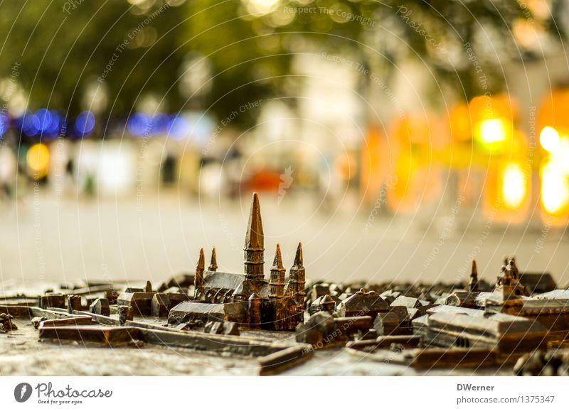 Meine Stadt Tourismus Sightseeing Städtereise Sommer Kunst Ausstellung Kunstwerk Skulptur Architektur Schönes Wetter Haus Kirche Marktplatz Rathaus Bauwerk