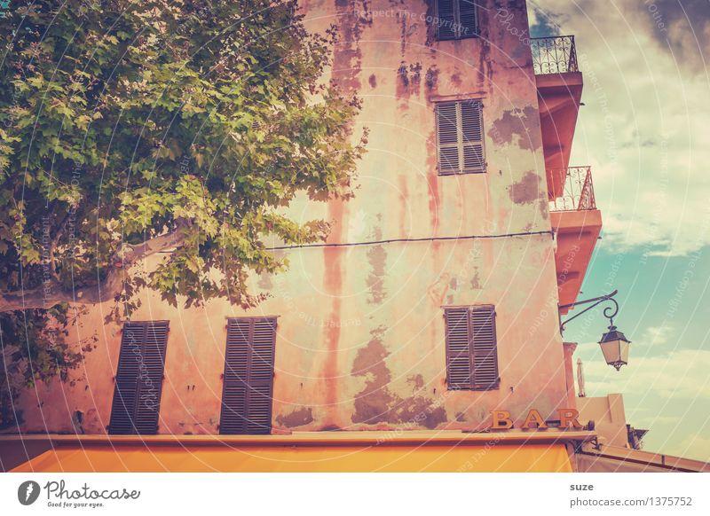 Bon appétit! Ferien & Urlaub & Reisen Stadt alt Sommer Haus Fenster Reisefotografie Wärme Fassade rosa Schilder & Markierungen retro Kultur malerisch Buchstaben