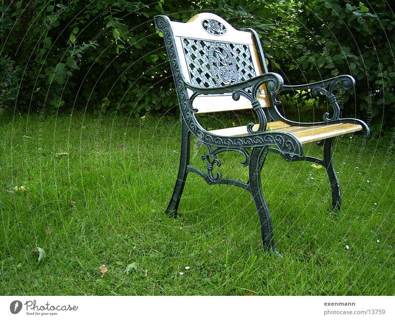 alter Gartenstuhl Wiese Garten sitzen Stuhl Dinge