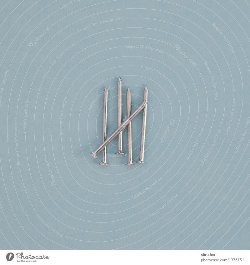 Fünf Nägel mit Köpfen blau Linie Business Metall Handwerk silber zählen rechnen Nagel Mathematik nageln Super Stillleben