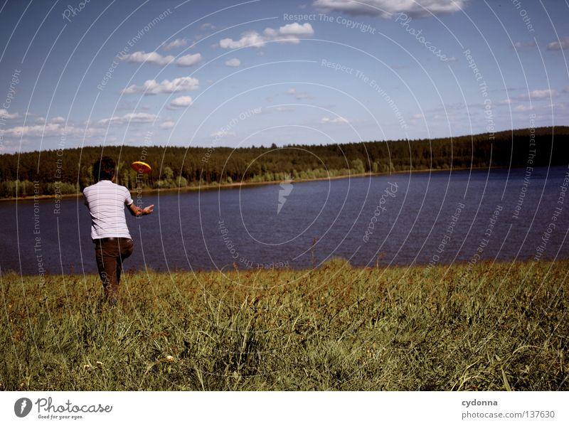 Fang mich doch! Mensch Himmel Mann Natur Sommer Freude Wolken ruhig Ferne Erholung Wiese Leben Landschaft Spielen Graffiti Gefühle
