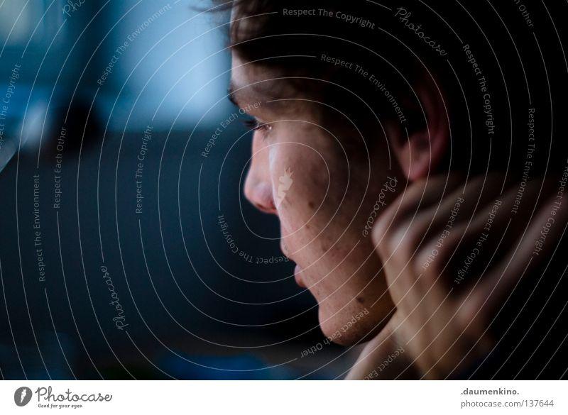 Raumwahrnehmung Mensch Mann Hand Arbeit & Erwerbstätigkeit Fenster Haare & Frisuren Kopf Mund Nase Ohr obskur