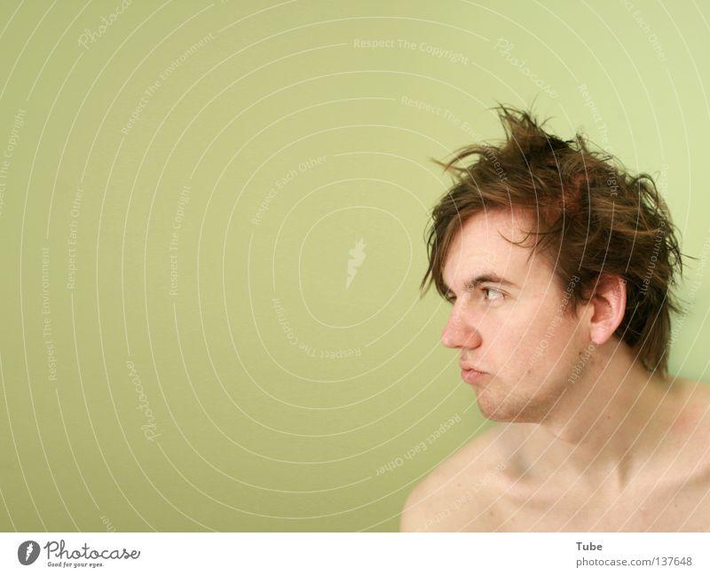 Der Stand der Stände Mann freizügig braun rotbraun Kopf dreckig Bart nackt Schlüsselbein Schulter Stil nass Stirn Wand grün mint sinnlos dumm durcheinander