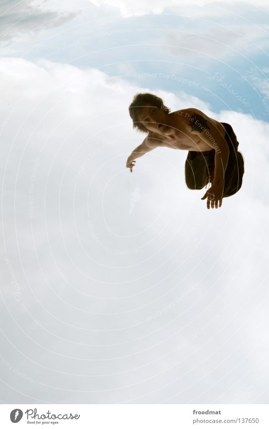 orientierungslos Mensch Mann Wolken Freude dunkel Freiheit fliegen Vogel springen Regen frei Luftverkehr verrückt Symbole & Metaphern Tattoo tauchen