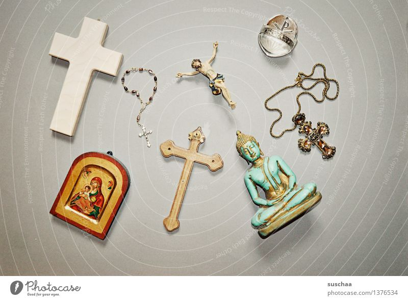 glaube Religion & Glaube Gott Symbole & Metaphern Kreuz Christliches Kreuz weihwasser Ikonen Rosenkranz Buddha Jesus Christus Katholizismus Christentum