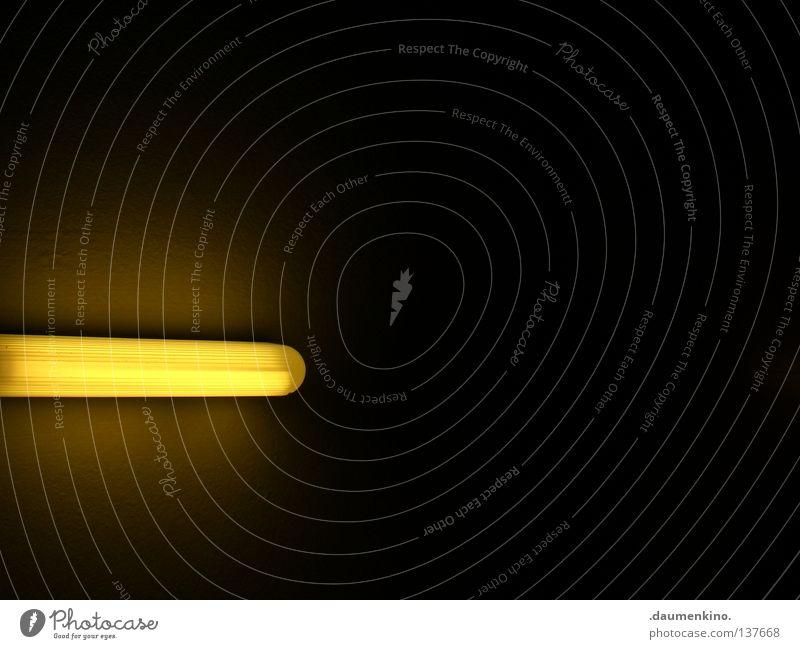 Star Wars Laserschwert Luke Lampe Licht gelb Neonlicht dunkel Detailaufnahme Elektrisches Gerät Technik & Technologie Schlafzimmer Krieg der Sterne Jedi