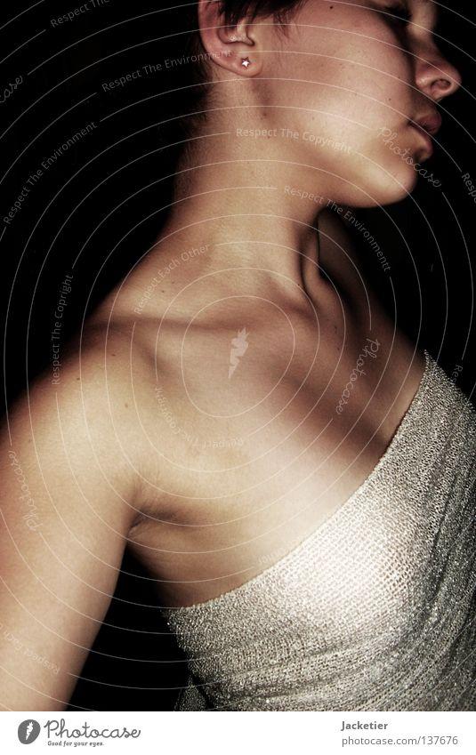 Schattenspiele Jugendliche weiß Sommer Gesicht schwarz feminin Spielen Brust geheimnisvoll Schnur Leidenschaft Fleisch Hals Skelett Zweifel Nacken