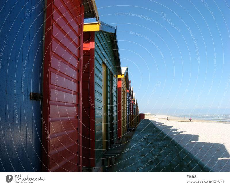 muizenberg mehrfarbig Haus Strand Meer Südafrika Kapstadt rot grün schön traumhaft Ferien & Urlaub & Reisen Wahrzeichen Denkmal brau Himmel Schönes Wetter
