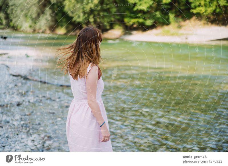 in der Natur Mensch Frau Ferien & Urlaub & Reisen Jugendliche Sommer Junge Frau Erholung ruhig Ferne Strand 18-30 Jahre Erwachsene Leben feminin Lifestyle