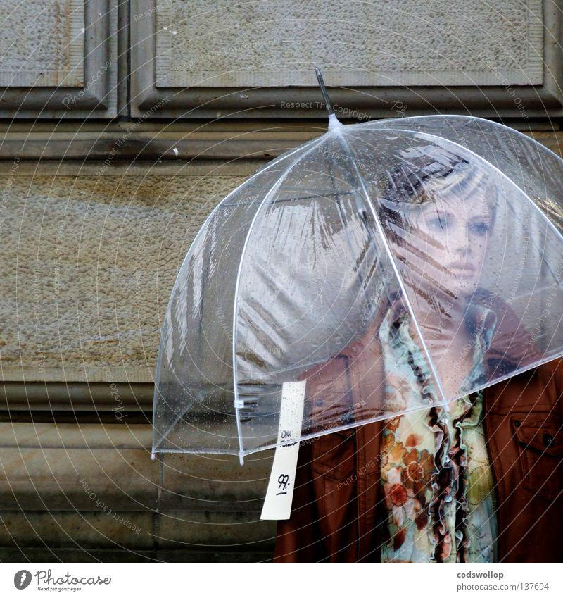 sale of the century Mensch Jugendliche Wasser Einsamkeit Erwachsene Tod Herbst feminin Stil Mode Regen Wetter Fassade elegant warten nass