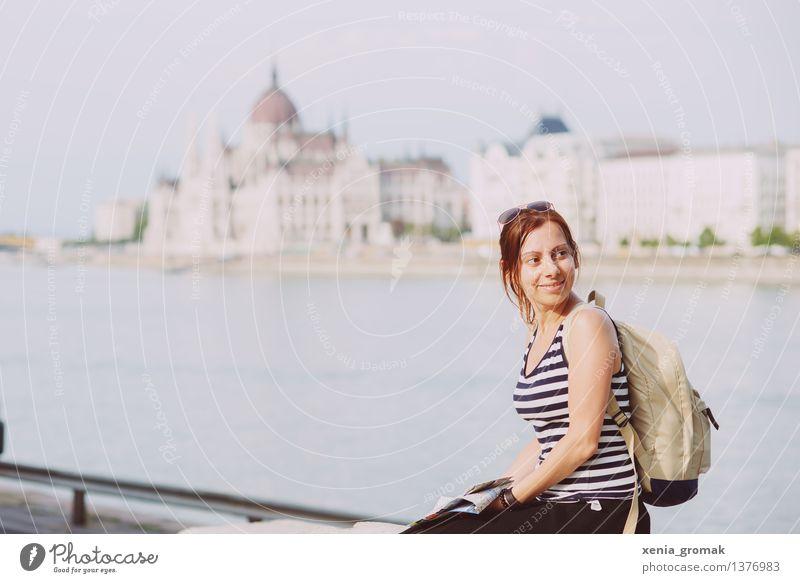 Budapest Ferien & Urlaub & Reisen Jugendliche Sommer Junge Frau Ferne Leben Lifestyle Freiheit Tourismus Zufriedenheit Freizeit & Hobby Ausflug Romantik