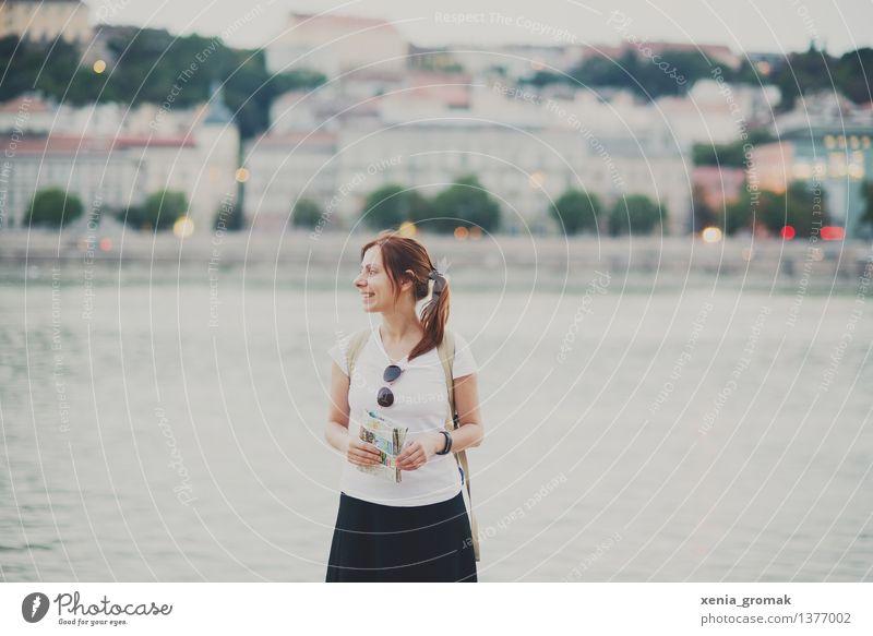 Budapest Mensch Ferien & Urlaub & Reisen Jugendliche Sommer Junge Frau Freude Ferne Leben feminin Glück Lifestyle Freiheit Zufriedenheit Tourismus