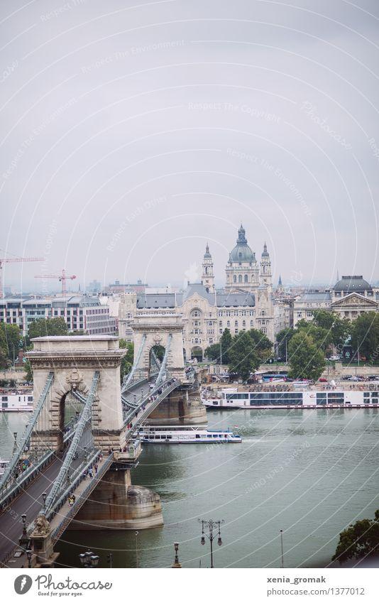 Donau Ferien & Urlaub & Reisen Stadt Ferne Freiheit Tourismus Ausflug ästhetisch Kirche Abenteuer Brücke Fluss Sehenswürdigkeit Wahrzeichen Hauptstadt
