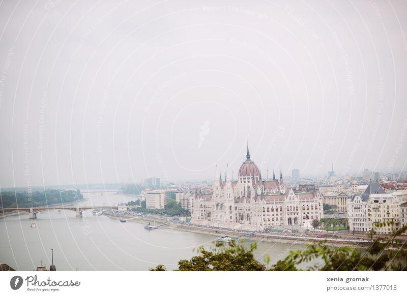 Budapest Ferien & Urlaub & Reisen Sommer Ferne Freiheit Tourismus Ausflug Abenteuer Brücke Fluss Sehenswürdigkeit Wahrzeichen Hauptstadt Burg oder Schloss