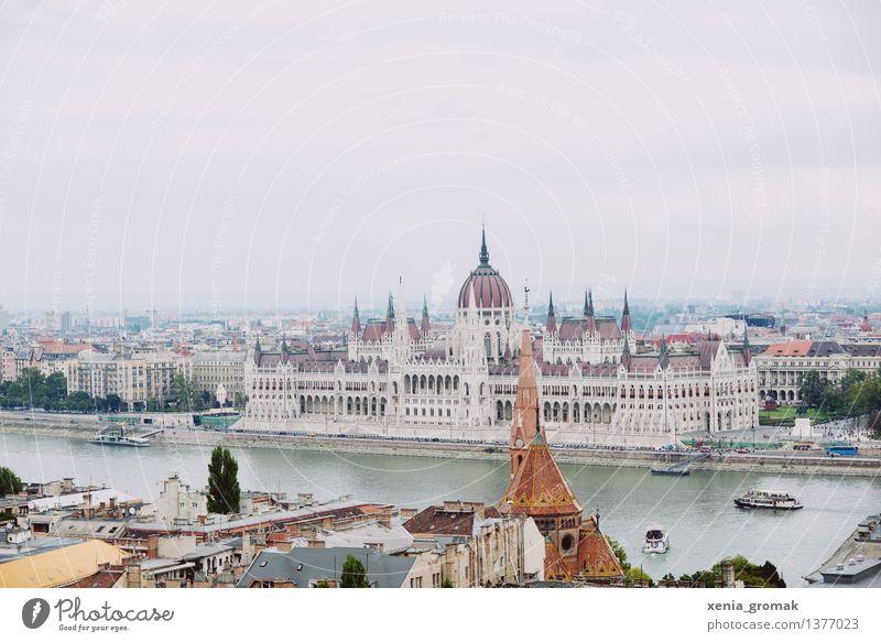 Parlament Ferien & Urlaub & Reisen Stadt Ferne Freiheit Tourismus Ausflug Abenteuer Fluss Burg oder Schloss Wahrzeichen Denkmal Hauptstadt Stadtzentrum