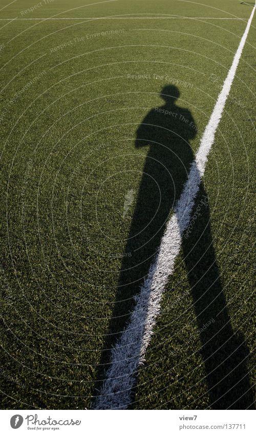 Aufstellung Weltmeisterschaft Feld grün stehen Mittellinie Österreich Schweiz Anstoß stoßen Leder Schiedsrichter Fan Stadion Wiese Strukturen & Formen Rasen