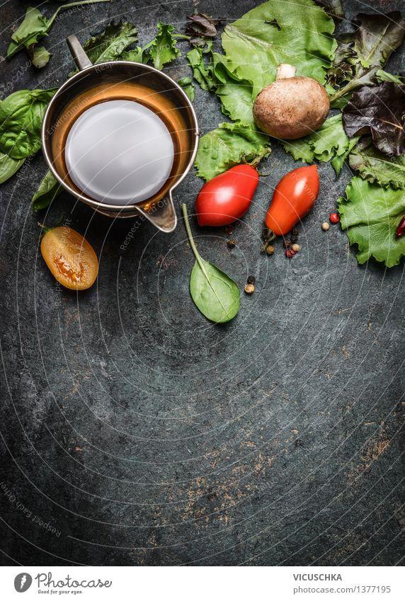 Frische Zutaten für Salat Lebensmittel Gemüse Salatbeilage Kräuter & Gewürze Öl Ernährung Mittagessen Abendessen Festessen Bioprodukte Vegetarische Ernährung
