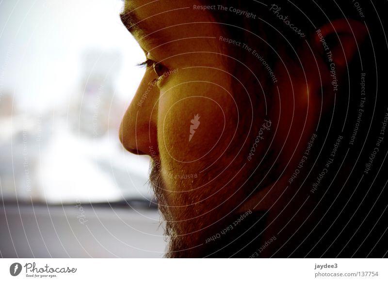 Rückblick Jugendliche Winter Gesicht Auge kalt Denken Wärme orange Physik Bart drehen links
