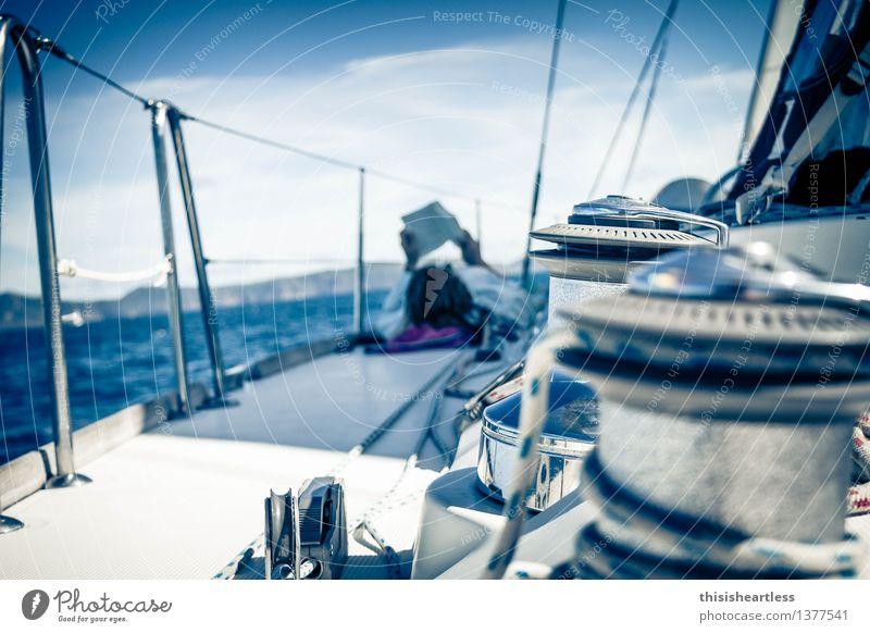 entspannt Richtung Horizont! Mensch Himmel Ferien & Urlaub & Reisen Jugendliche Wasser Junge Frau Sonne Meer Freude Ferne Strand feminin Küste Zufriedenheit Wellen Wind