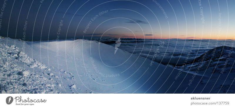 Sonnenaufgang am Dobratsch (Kärnten) Himmel blau Winter Wolken dunkel kalt Schnee Berge u. Gebirge Freiheit groß Horizont Beginn Aussicht Gipfel
