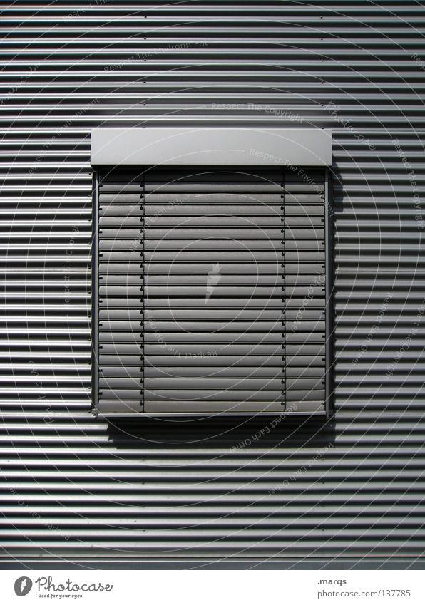 Heute geschlossen Wand Fenster Fassade Mitte Feiertag Fensterladen Geometrie schwarz weiß grau Strukturen & Formen Sauberkeit Glätte Lichteinfall Schatten