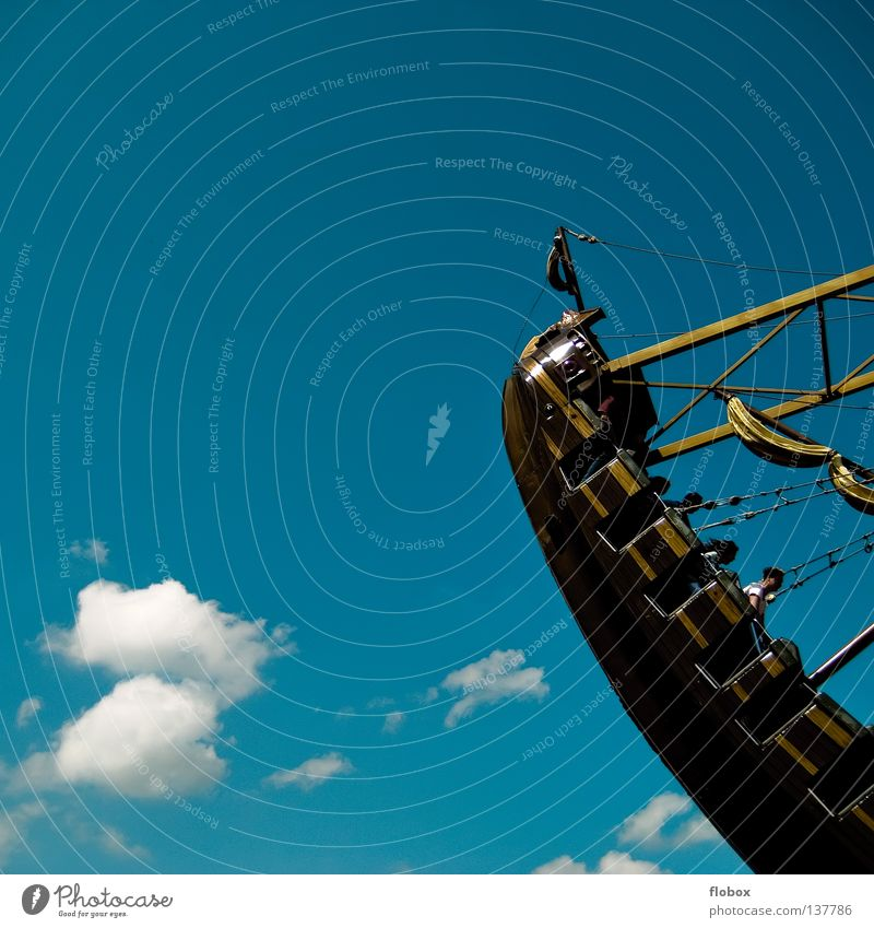 Bis einer weint! Himmel Freude Wolken See lustig Park Wasserfahrzeug Kindheit Angst Jahrmarkt brechen Schaukel Panik Karussell Nervenkitzel Pirat