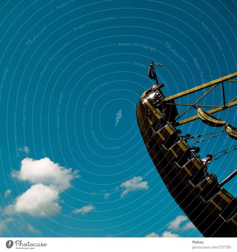 Bis einer weint! Schiffschaukel Jahrmarkt Fahrgeschäfte Park Vergnügungspark Achterbahn Attraktion Wasserfahrzeug Pirat See Schaukel Wolken Karussell brechen