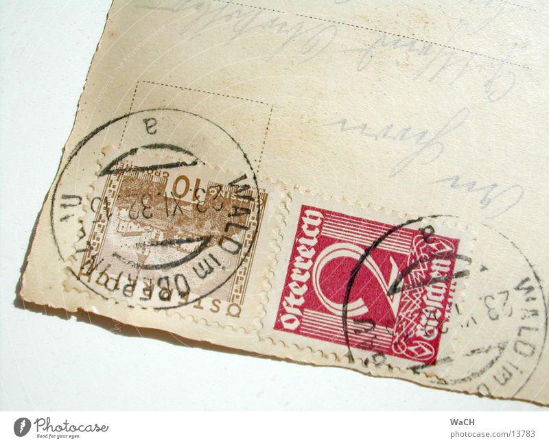 Postkarte Schriftzeichen alt Kommunizieren Briefmarke Österreich Poststempel Adressat Farbfoto Nahaufnahme Detailaufnahme Makroaufnahme Sammlerstück