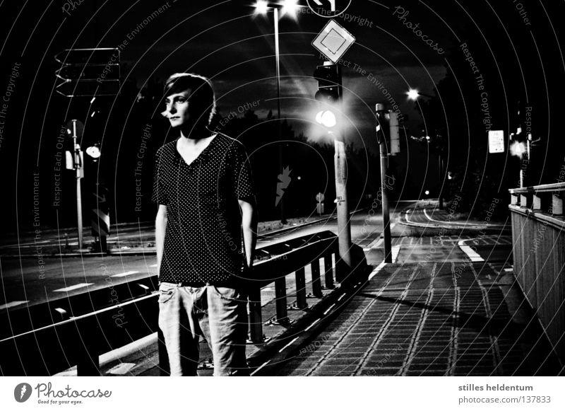 Your Late Night Forgotten Nacht vergessen Autobahn schwarz weiß Schilder & Markierungen Angst Panik Zweifel Mischung Mensch
