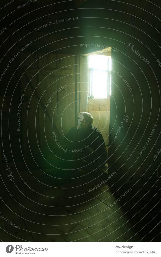 WER HAT ANGST VOR'M SCHWARZEN MANN? II Mensch Mann grün Einsamkeit dunkel Fenster Angst warten Tür sitzen gefährlich trist bedrohlich Vergänglichkeit verfallen