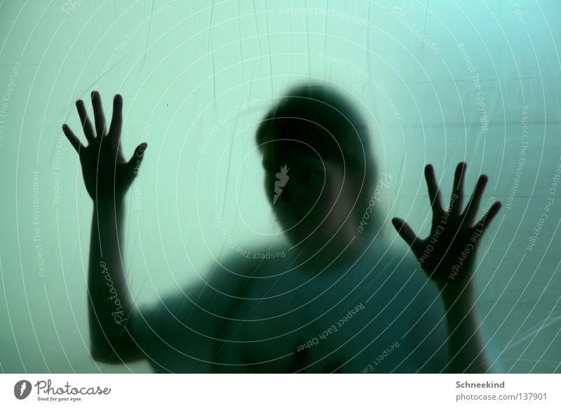 Gefangen Folie Frau Wohnung Panik Verzweiflung Hand Renovieren streichen Finger grün Aussicht Einblick Milchglas Angst Wohnzimmer Sicherheit Fensterscheibe Glas