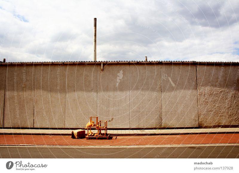 FOUND OBJECTS Mauer grau Beton industriell Müll Gleichgültigkeit graphisch Industrie Architektur Langeweile Himmel wnad reduzieren Linie trist trashig Farbe