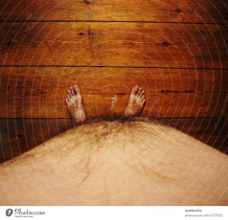 Bikinizone nackt Waschbrett Barfuß Zehen Diät Holz Holzfußboden Sommer Mann dick Ernährung Mensch Gesundheit Bauch Fuß bauch raus bauch rein brust raus