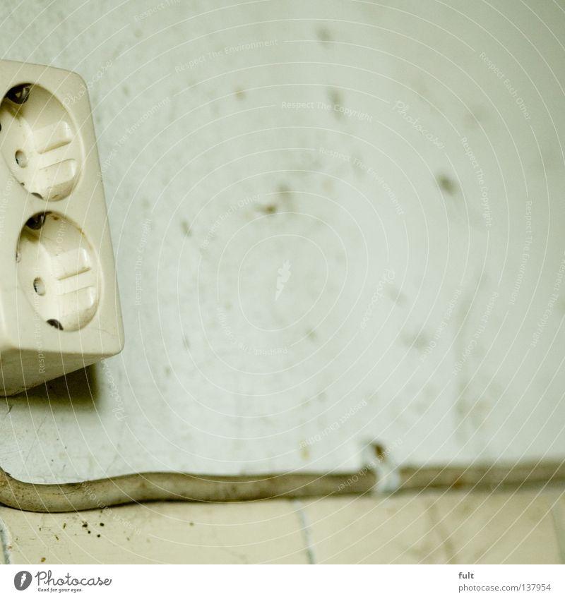 Strom Elektrizität Steckdose Wand Elektrisches Gerät Technik & Technologie Kabel Leitung alt Fliesen u. Kacheln
