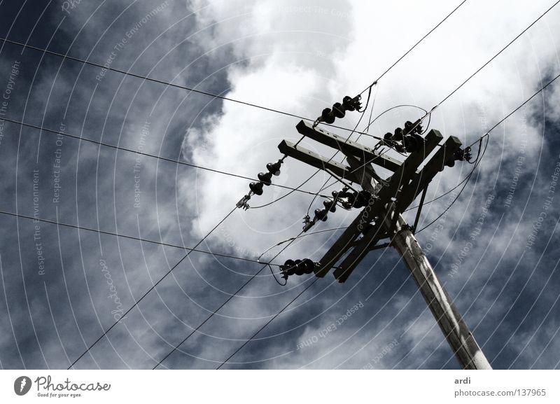 verbunden Elektrizität Strommast gefährlich Leitung Kraft Saft Versorgung Umwelt Knotenpunkt Verbindung Elektrisches Gerät Technik & Technologie