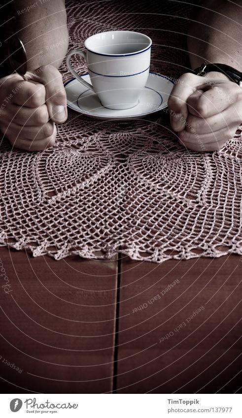 Ich! Will! Kaffee! Tasse Becher Tragegriff Café Latte Macchiato Frühstück trinken Loch Muster Kaffeetasse Kaffeetrinken Kaffeepause anstrengen Faust Finger Hand