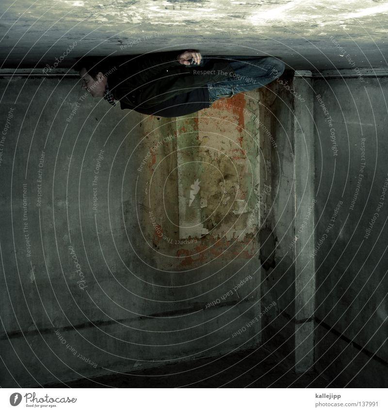 deckenleuchte Mann Silhouette Dieb Krimineller Ausbruch Flucht umfallen Fenster Parkhaus Geometrie Gegenlicht Jacke Mantel Mütze Strahlung Thriller springen