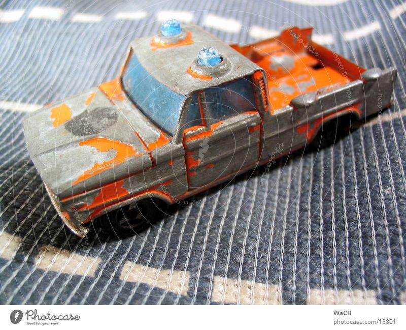 Abschleppwagen Spielen klein PKW orange Verkehr Spielzeug KFZ Sammlung Motorsport Panne Warnleuchte Modellauto Pannenhilfe