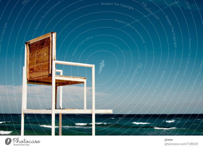 Ein Platz an der Sonne Wasser Himmel Meer Sommer Ferien & Urlaub & Reisen Wellen Suche Horizont Sicherheit gefährlich Stuhl bedrohlich beobachten