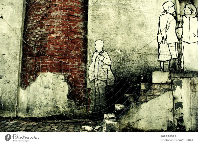 COLOURS Mensch weiß Stadt schwarz Tod Graffiti grau Menschengruppe Mauer Kunst Treppe kaputt Kultur verfallen Gemälde trashig