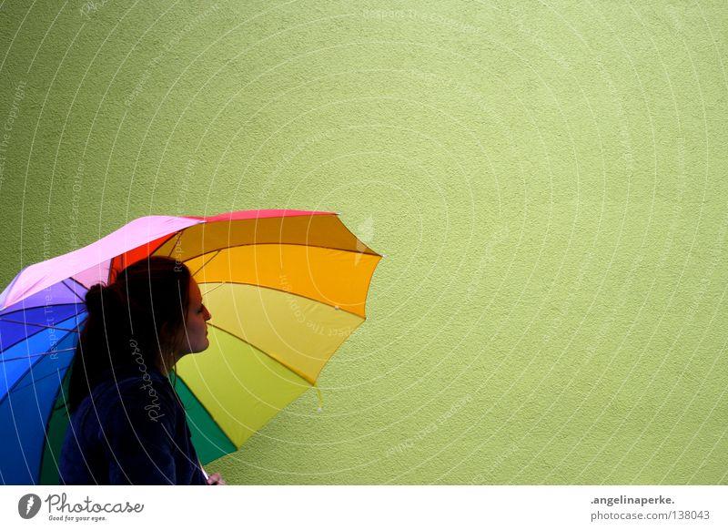 die grüne wand mehrfarbig Wand Regenschirm Denken schön Zopf zerzaust knallig Freizeit & Hobby Schatten Kopf Gesicht Haare & Frisuren popig ruhig funky