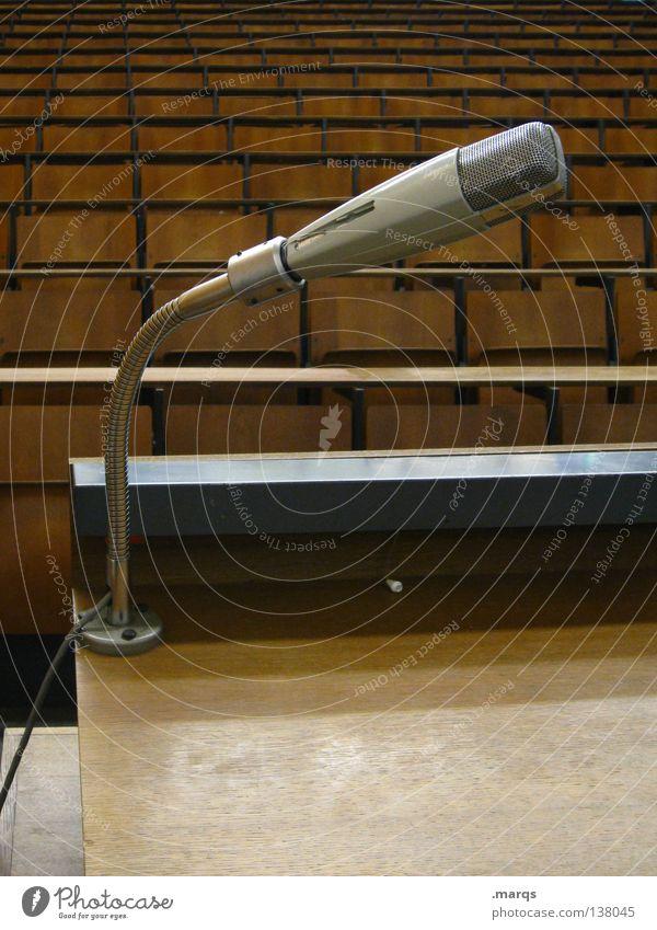 Ansprache ruhig schwarz grau braun Zusammensein Angst mehrere leer Platz Kommunizieren Tisch Studium Show viele Stuhl Bildung