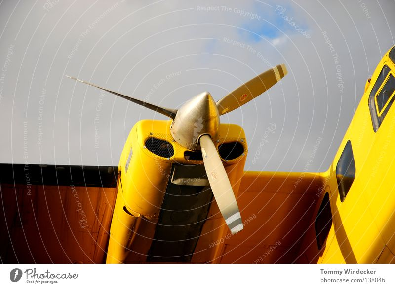 Aeronautik II Propeller Triebwerke Propellerflugzeug Flugzeug Fluggerät fliegen Wolken Motor historisch Flugschau Technik & Technologie Maschine Antrieb