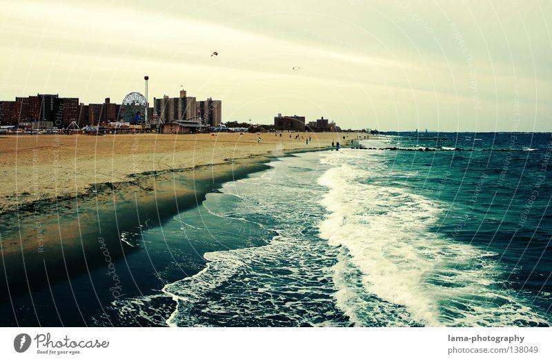 The Beach New York City Manhattan Amerika Strand Ferien & Urlaub & Reisen Meer Sandstrand Wellen Gezeiten Schaum Horizont Küste Freizeit & Hobby USA Landschaft