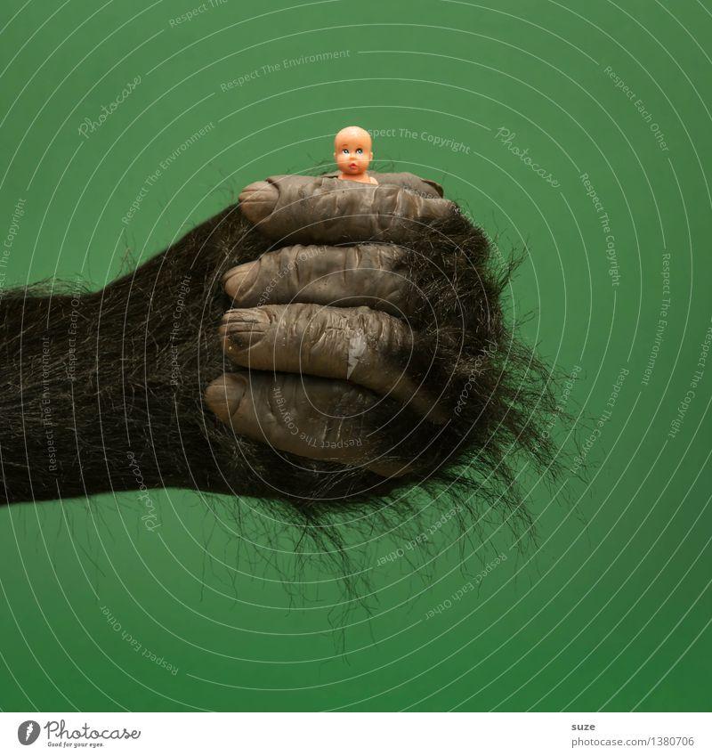 Dschungelkind grün Hand schwarz lustig Stil Lifestyle Kunst Design wild Behaarung Baby Idee Finger Coolness festhalten Kontakt