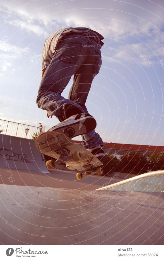 Leonidas blau Freude Sport Spielen Coolness Jeanshose Hose Skateboarding extrem Halfpipe Trick Funsport