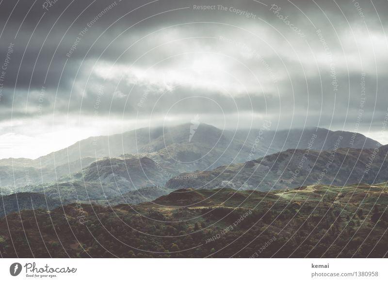 Grasmere Fells Ferien & Urlaub & Reisen Abenteuer Freiheit Umwelt Natur Landschaft Himmel Wolken Gewitterwolken Sonnenlicht Herbst Unwetter Hügel