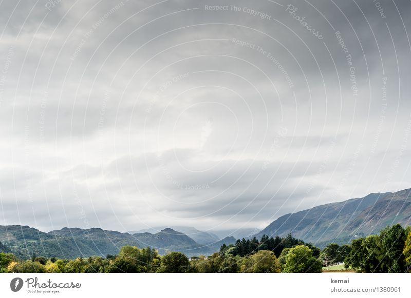 Autumn in the Lakes (II) Himmel Natur schön grün Baum Landschaft Wolken ruhig Ferne Wald Berge u. Gebirge Umwelt Herbst Freiheit Wetter Wachstum